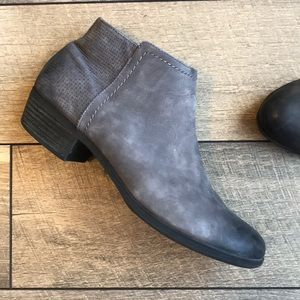 Rockport Distressed Grey Ankle Boots
